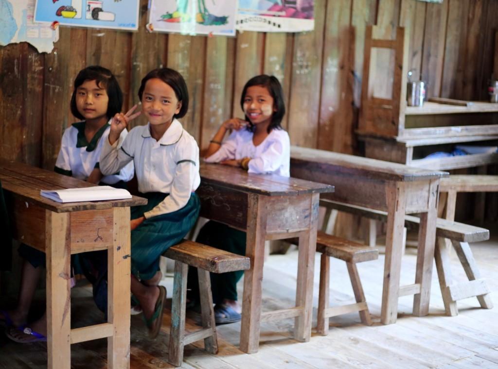 تلميذات مدرسة ابتدائية في ولاية تشين. ملكية الصورة: كريس مارمو| Paper Giant